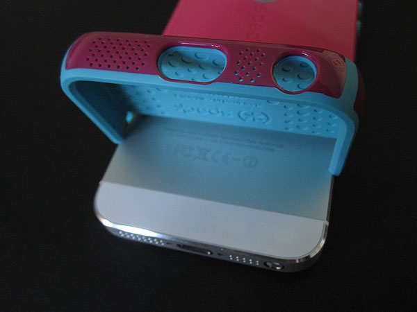 Speck CandyShell Flip + Grip for iPhone 5 04